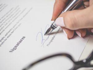 Advantages from a E-Signature Software comparison review