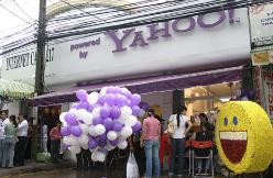 yahoo-internet-cafe-vietnam-1.png