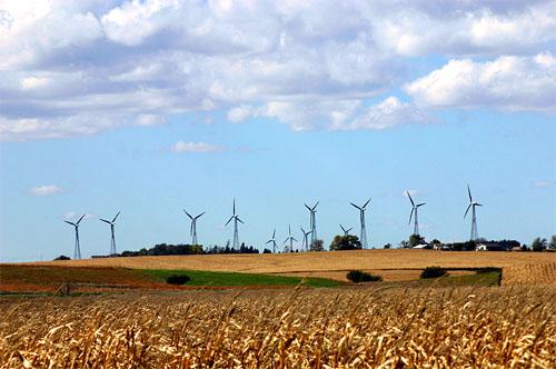 Iowa Wind Farms Iowa-wind-turbines