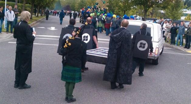 Microsoft iPhone BlackBerry funeral