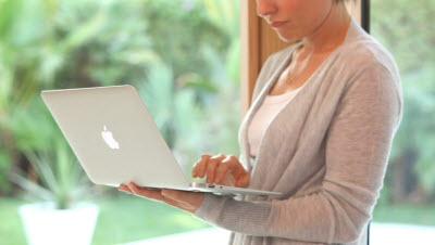 how to fix vertical strip in macbook air
