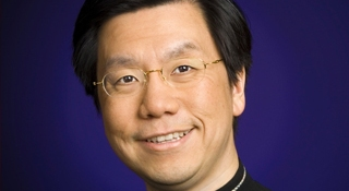 Former Google China chief raises $180M for startup incubator