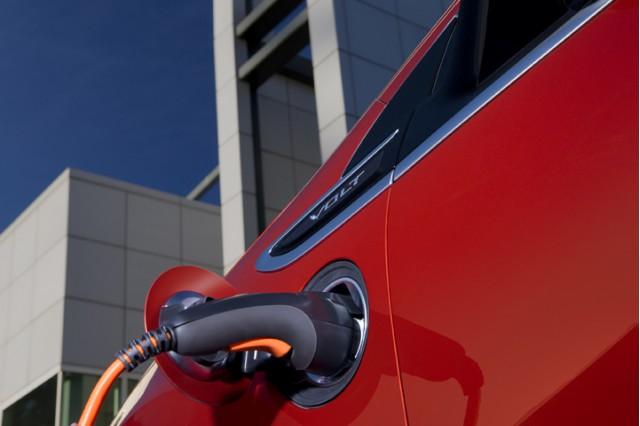 2011 Chevrolet Volt charging plug