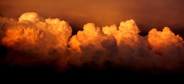 cloudbeat-storm-clouds