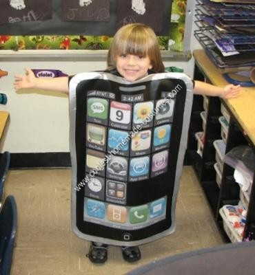 coolest-homemade-iphone-costume-5-21418152