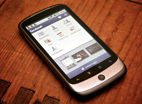 facebook-mobile-phone-poptop