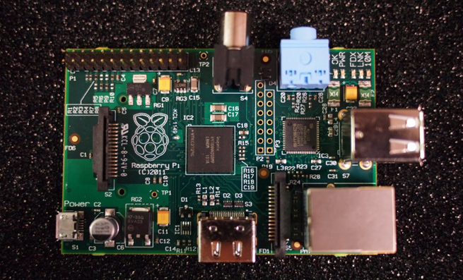 Raspberry-Pi-computer-655
