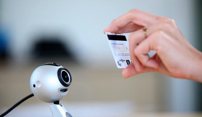jumio-credit-card-webcam