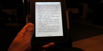 B&N Nook with GlowLight drops to $119 to challenge Kindle Paperwhite