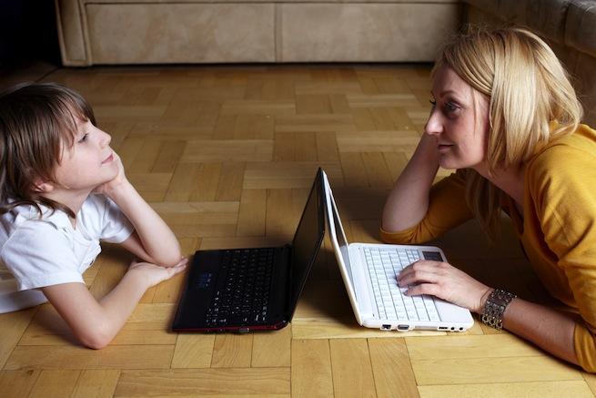 Digital life of moms Facebook Pinterest
