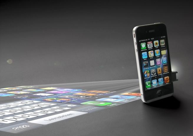 Smartphone mini-projector