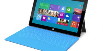 In response to laptop ban on flights, Emirates loans out Microsoft Surface tablets