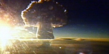 Google vs. Apple equals WWIII: How's that for thermonuclear, Apple?