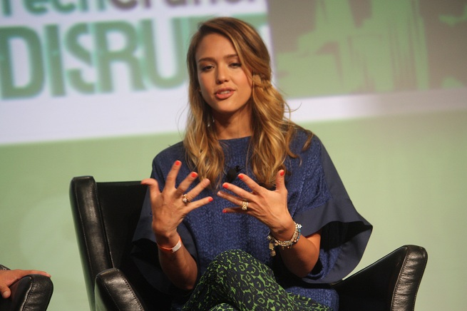 Jessica Alba Gets Her Hands Dirty And Then Clean As An E