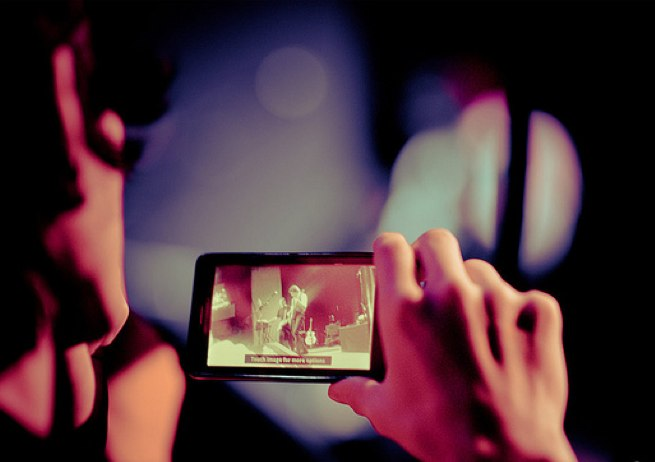 phone music video