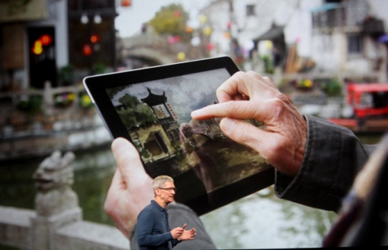 ipad-tim-cook