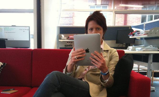 tablet-sofa