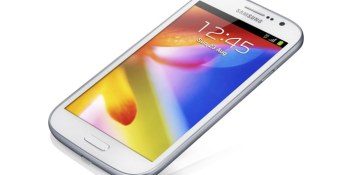 Samsung's new Galaxy Grand has a massive 5″ screen, but a puny resolution