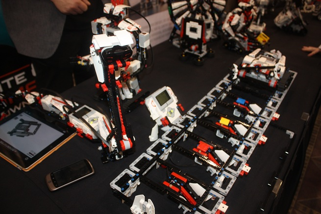 Snapping snake slithers among Lego's new Mindstorms robots