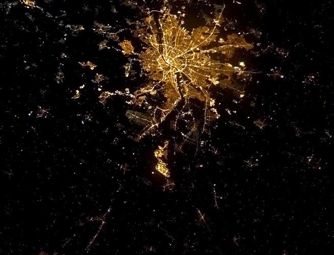 astronaut-facebook-photos