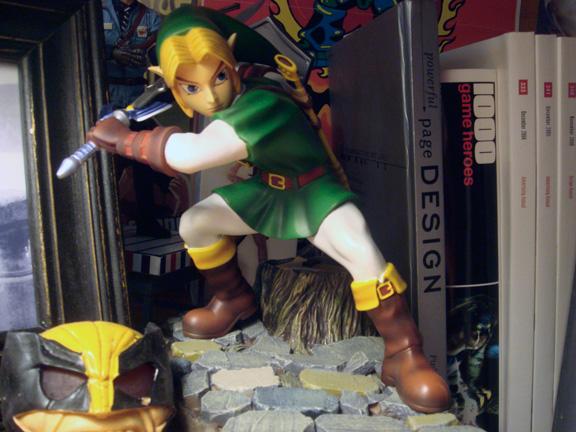 Zelda Statuette