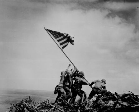 Soldiers raising the flag at Iwo Jima
