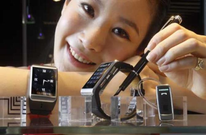 Samsung_watchphone-900-75