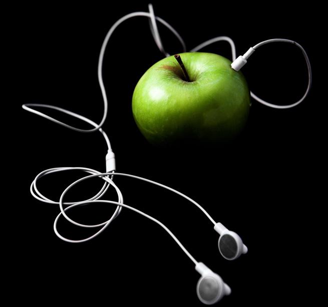 ss-apple-headphones-streaming-radio