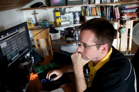 A tweetdeck user stares at his screen