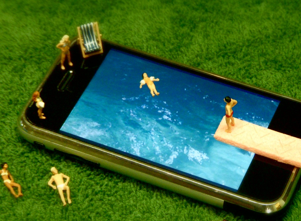 apple iphone pool