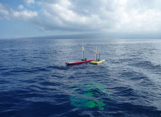 Wave Glider SV3 ocean robots