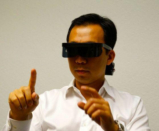 Allen Yang, Atheer, wearing a 3D headset