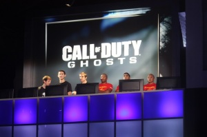 Pro gamers and Marines play Call of Duty: Ghosts.