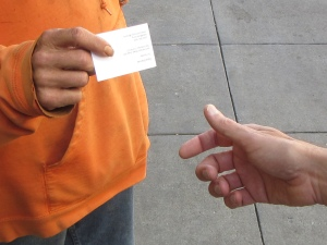 A homeless person can sign up for a HandUp card.