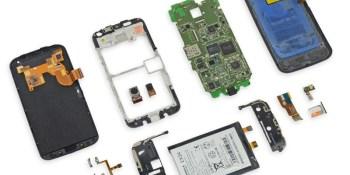 Moto X teardown finds it easy to repair (but no big surprises)