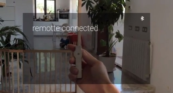 """The handheld """"Remotte"""" connects with Google Glass via Bluetooth."""