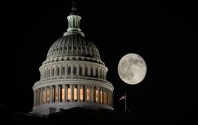 Capitol building in the dark