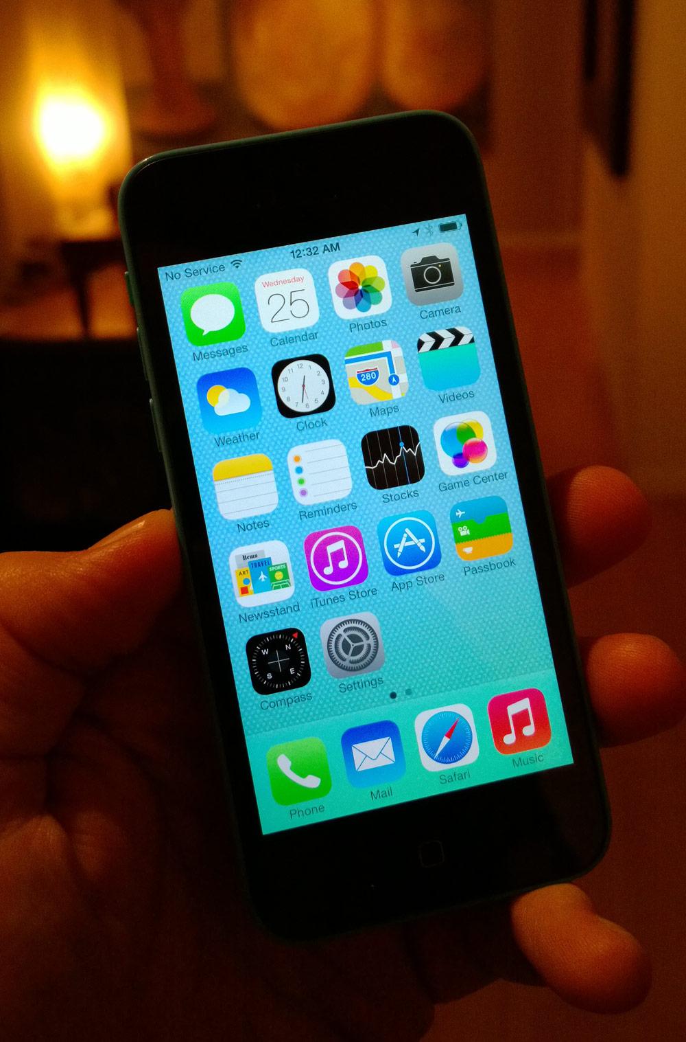iPhone 4 in iPhone 5 case