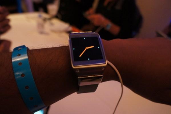 Samsung Galaxy Gear hands-on 4