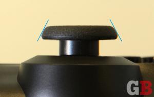 DualShock 4 - analog stick top, ridge angle