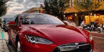 Apple considered acquiring electric car maker Tesla (rumor)