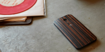 Motorola's wood-backed Moto X is $75 cheaper — and comes in three new shades