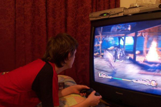 Kingett playing games