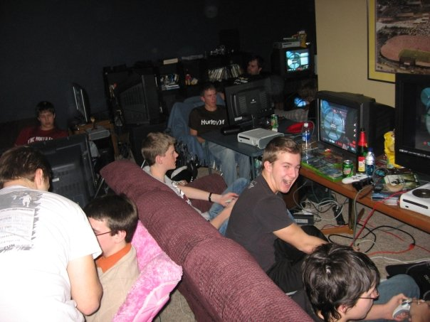 private lan party