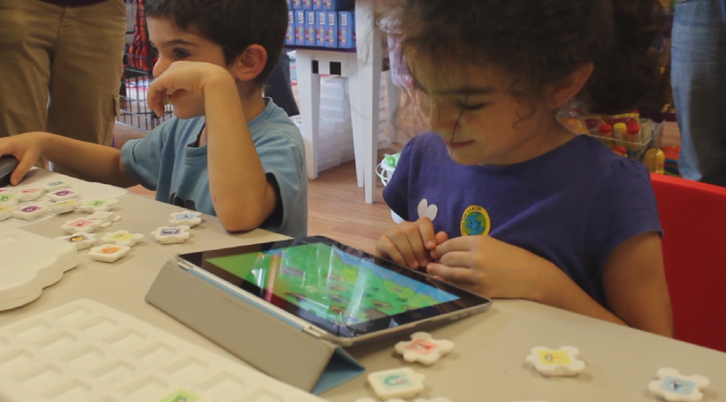 Ludos tries to make programming a tactile experience for kids.