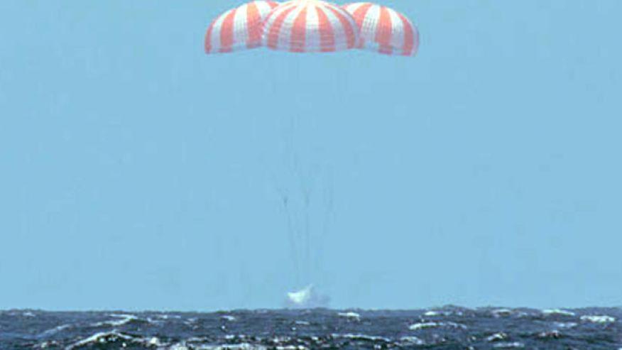 SpaceX-dragon-capsule-returns
