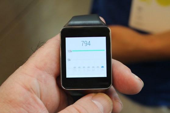 Samsung Gear Live steps charts