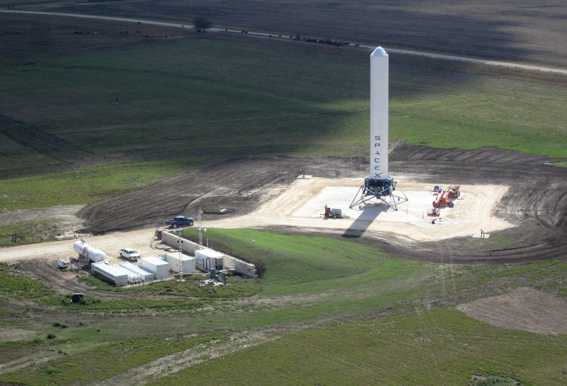 SpaceX to build its first commercial spaceport in Texas ...