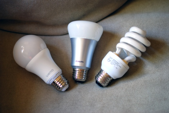 belkin-wemo-led-vs-philips-hue-vs-CFL