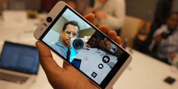 Peak selfie: HTC's new Desire Eye features a huge 13MP front camera
